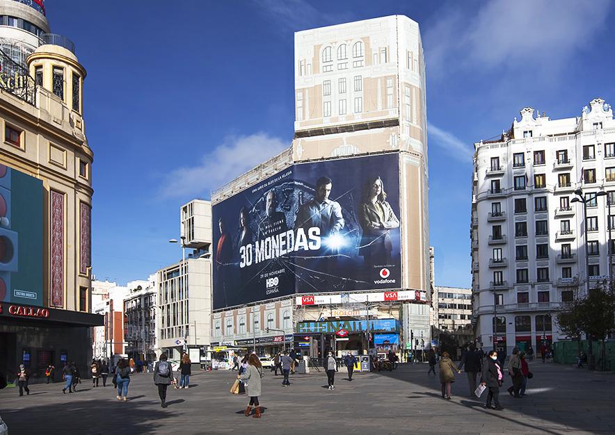 lona-publicitaria-madrid-gran-via-46-hbo-noviembre-dia-vsa-comunicacion