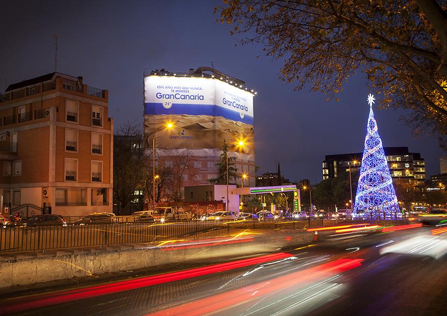 lona-publicitaria-madrid-pincipe-de-vergara-103-turismo-gran-canaria-aerea-diciembre-noche-vsa-comunicacion