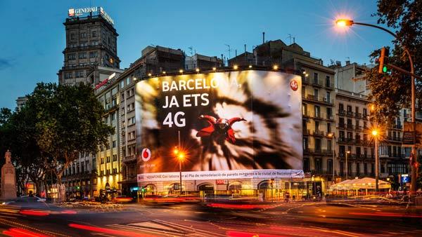Lonas publicitarias vodafone 4g barcelona publicidad for Vodafone oficinas barcelona